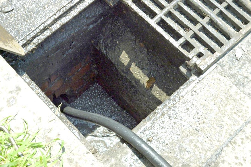 下水管高圧洗浄清掃